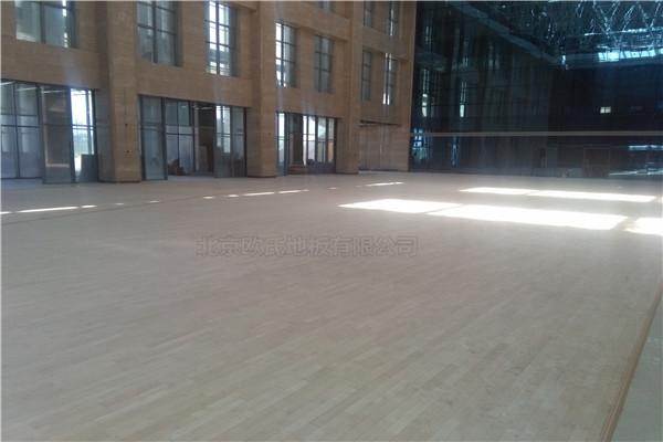 甘肃体育运动木地板厂家 篮球馆木地板安装一站式服务